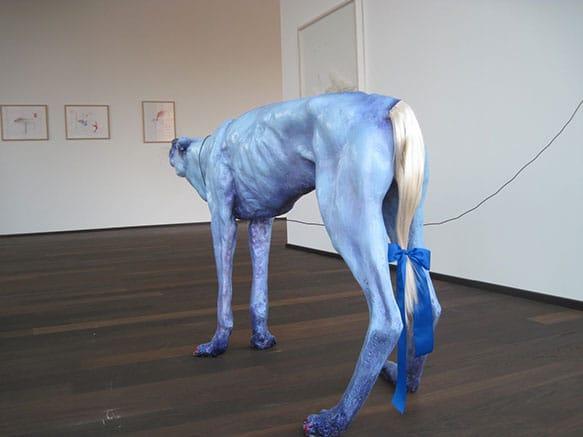 Pawel-Wocial-Pony-Wolf-hipperrealistyczna-instalacja